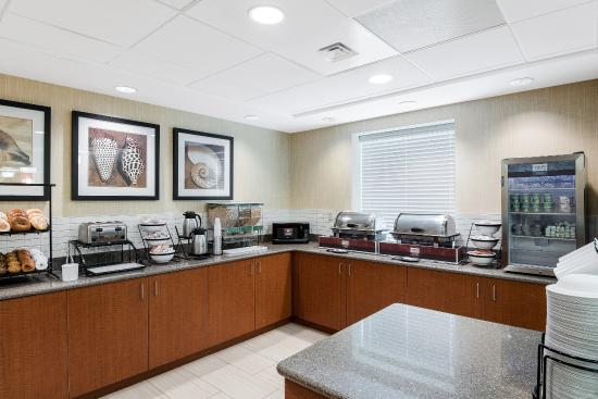 Comfort Inn Rehoboth Beach: Breakfast Area
