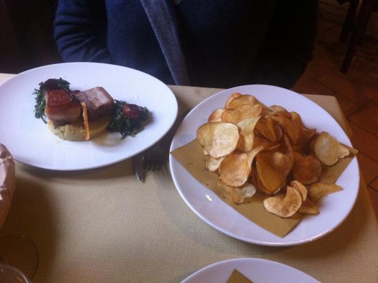 Cerreto di Spoleto, อิตาลี: Maiale croccante con sfoglie di patata