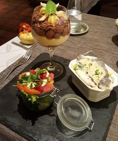 15 90 midi express salade gourmande saint pierre avec - Restaurant salon de provence la table du roy ...