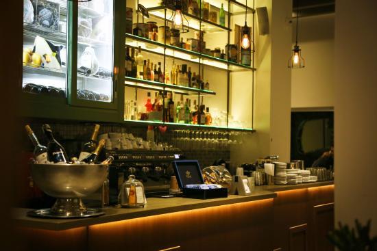 Cafe voulis salumeria atene syntagma ristorante for Ristoranti ad atene