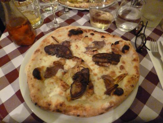 pizza foie gras mmmmmm picture of pizzeria ristorante masaniello bordeaux tripadvisor. Black Bedroom Furniture Sets. Home Design Ideas