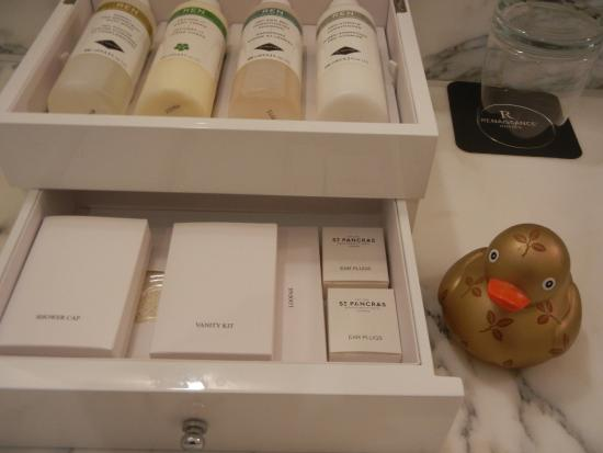 Quality Bathroom products - Picture of St. Pancras Renaissance Hotel ...