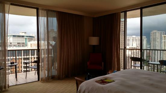 Grand Waikikian by Hilton Grand Vacations: Beautiful corner room!