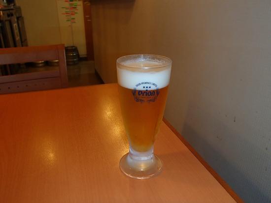 Shimajiri-gun, Japan: 別料金で生ビールグラスと生中をいただけます