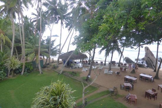 Sri Gemunu Beach Resort: 1020993_large.jpg