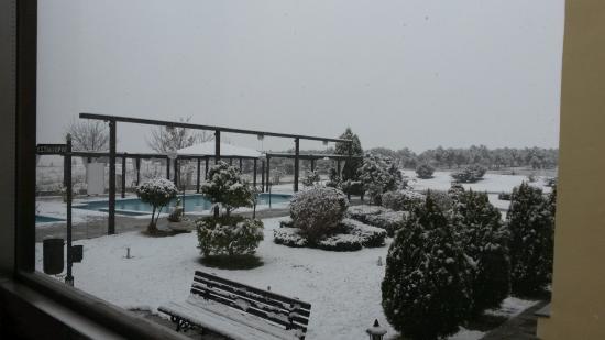 Agnantio Hotel and Spa: Αν και χιονισμενα, πολυ ομορφη θεα!