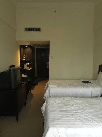 The Regency Hotel Kuala Lumpur: Bedroom - spaciaou