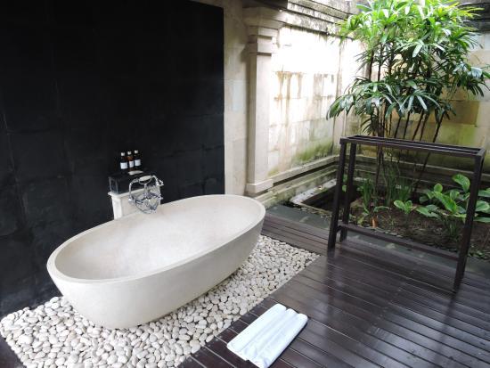 The Ubud Village Resort & Spa: Salle de bains