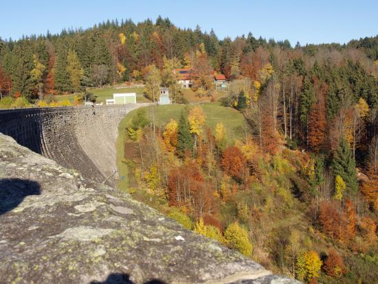Forbach, Germany: Дамба как крепостная стена