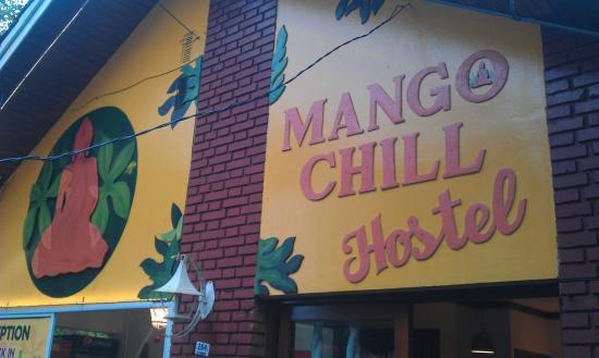 Mango Tree Hostel Bar: Esterno ostello