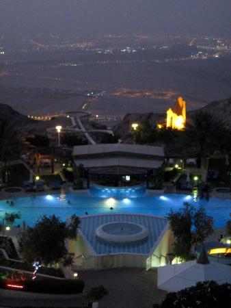 Madinat Zayed, Emiratos Árabes Unidos: Pool from the hotel