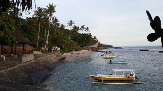 Ramayana Candidasa: Public Beach nearby
