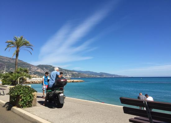 Franske Riviera - Cote d'Azur, Frankrig: A shot from our car, French Riviera trip 2015