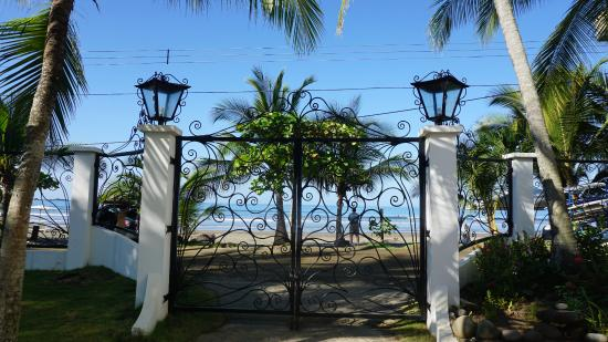 Hotel Catalina: View out of the front gates
