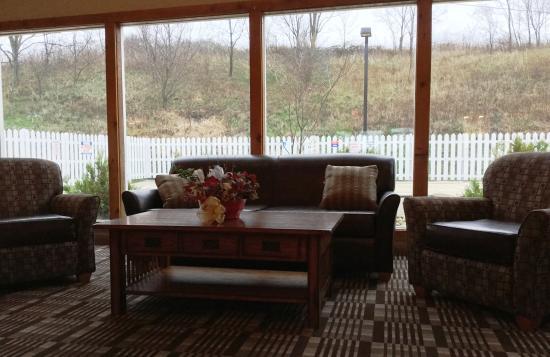 Quality Inn : Lobby Seating Area