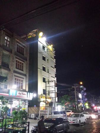 Hotel Yadanarbon: Hotel