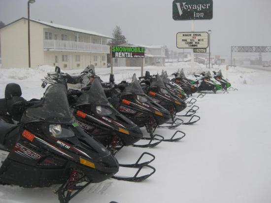 Voyager Inn of Saint Ignace: on site snowmobile rental
