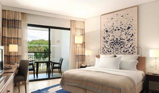 Hilton Vilamoura As Cascatas Golf Resort & Spa: Room