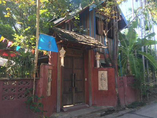 BaanBooLOo Traditional Thai Guest House: photo3.jpg