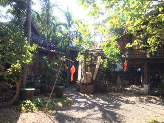 BaanBooLOo Traditional Thai Guest House: photo4.jpg