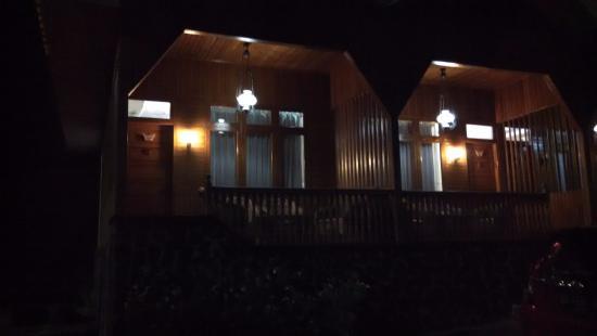 Padang Panjang, Indonesia: Resort di malam hari