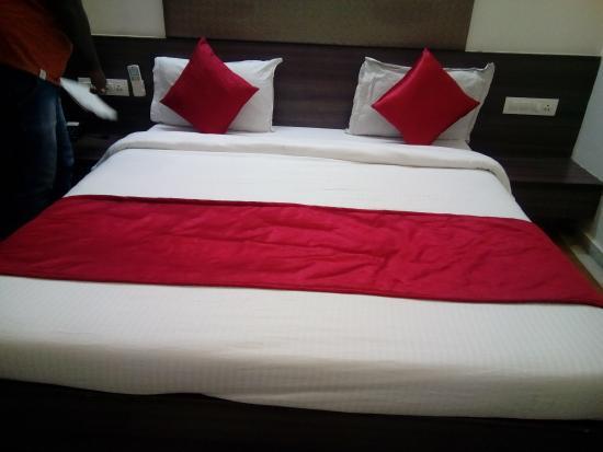 Kamran Palace Hotel: STANDARD ROOM