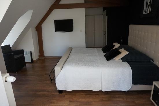 Zedelgem, Bélgica: The room called 'Black & White'