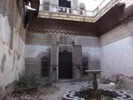 Fez-Boulmane, Marokko: Un Riad à l'abandon