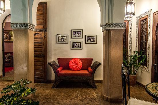 Riad elnoujoum hotel marrakech maroc voir les tarifs for Salon zen rabat tarifs