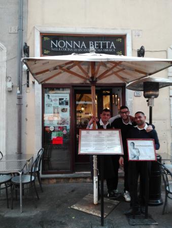 Ristorante nonna betta l 39 esterno picture of nonna for L esterno di un ristorante