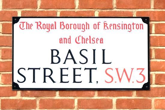 Basil Street Apartments: Exterior