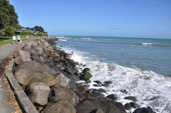 New Plymouth, New Zealand: Looking south