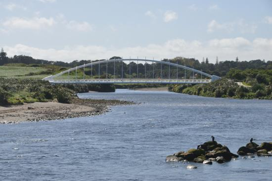 New Plymouth, New Zealand: The Millennium Bridge from the south