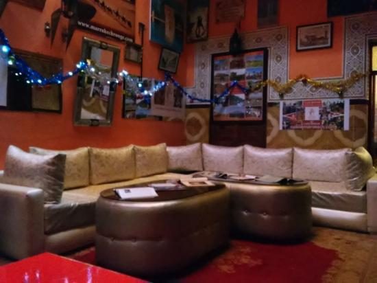 Hostel Riad Marrakech Rouge: Cosy living room