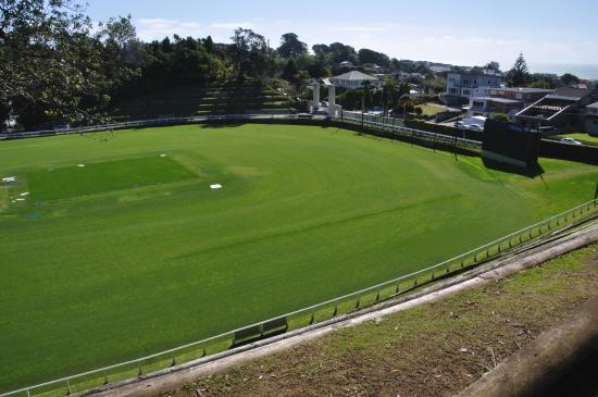 New Plymouth, Nueva Zelanda: The cricket ground (near the main entrance)