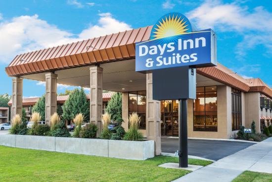 Days Inn  U0026 Suites Logan