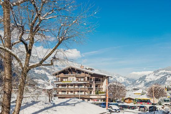 Hotel Alpenhof Kristall: Hotel Winter
