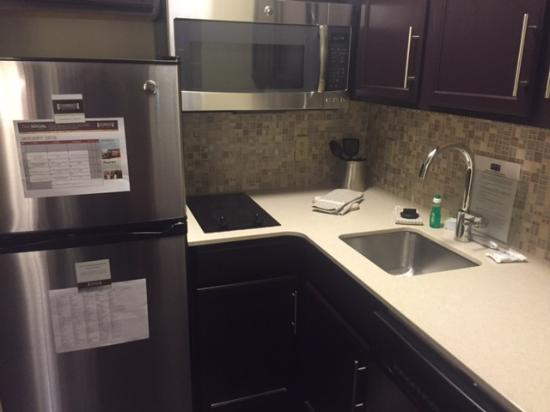 Staybridge Suites Fargo: Renovated kitchen in a studio suite