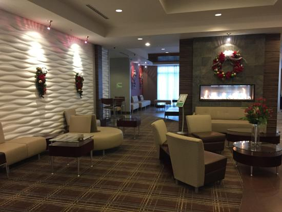 Holiday Inn Detroit Metro Airport: Lobby do hotel