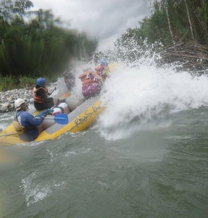 Rios Ecuador: Big splashes