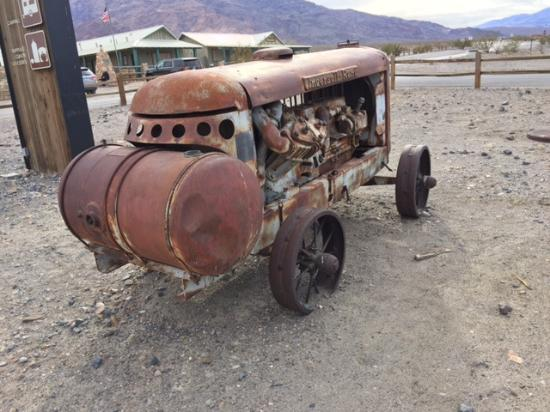 Stovepipe Wells Village Hotel: Abandoned Truck