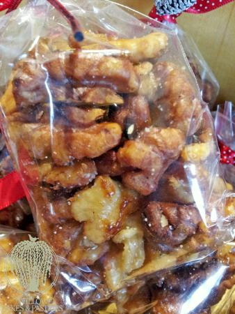Willow Cakes and Pastries : Sweet and Salty Walnuts