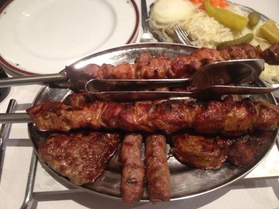 A c est ce qu il fait de mieux un r gal picture for Cuisine yougoslave