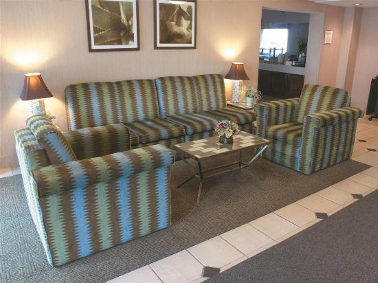 La Quinta Inn & Suites Salem: lobby