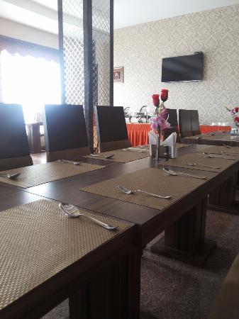 tv picture of hotel the royal bharti vrindavan tripadvisor rh tripadvisor in