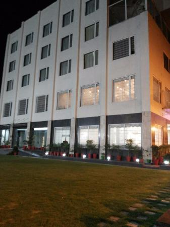hotel building at night picture of hotel the royal bharti rh tripadvisor co uk