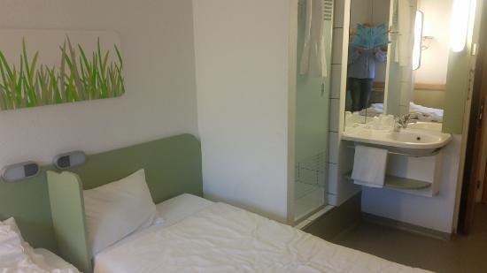 Prysznic w pokoju - dla mnie nowość     - Picture of Ibis