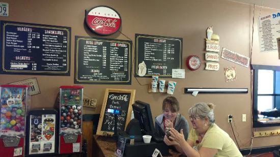 Carrollton, MO: Burger-Bar