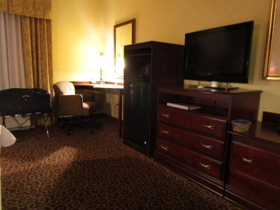 Hampton Inn & Suites Ocala - Belleview: Guest Room