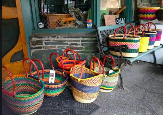 Little Switzerland, Carolina del Norte: Baskets for sale at Charlie's Quilts and Sew Much More